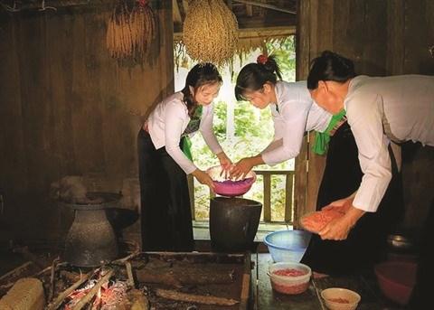 Tet et traditions des Muong a Hoa Binh hinh anh 1