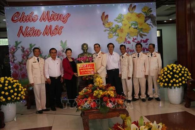 La presidente de l'AN effectue une visite a Tien Giang a l'occasion du Tet hinh anh 1