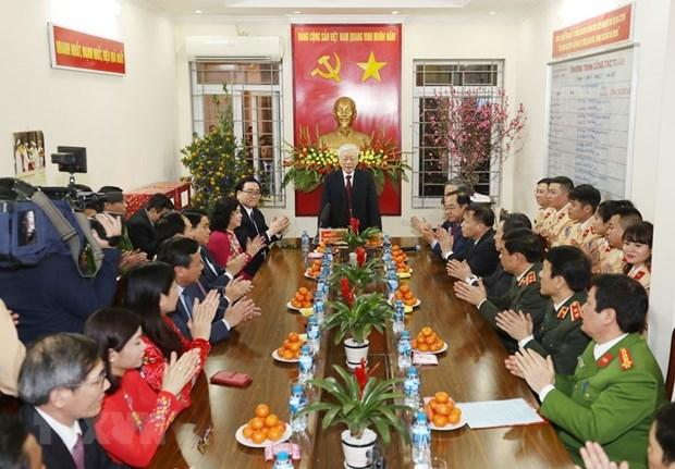Le SG du Parti et president Nguyen Phu Trong adresse ses vœux du Tet a plusieurs organes hinh anh 1