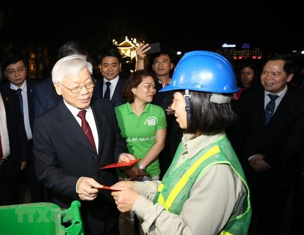 Le SG du Parti et president Nguyen Phu Trong adresse ses vœux du Tet a plusieurs organes hinh anh 2