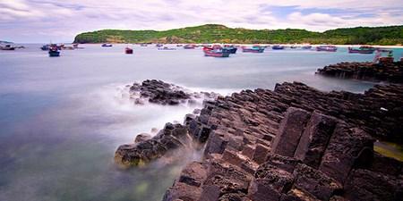 Tet : les vacanciers remplissent les plages de la province centrale de Phu Yen hinh anh 1