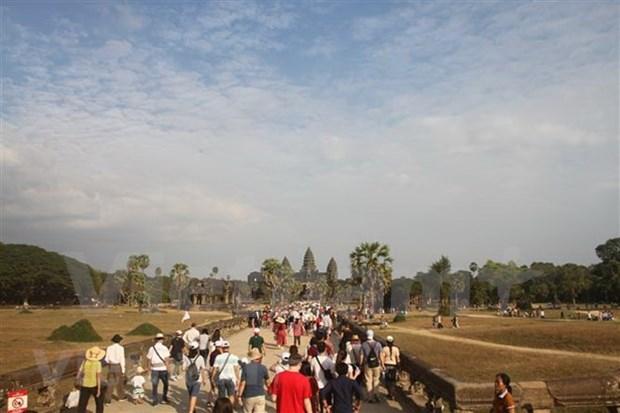 Le Cambodge accueille pres d'un million de visiteurs pendant le Nouvel An lunaire hinh anh 1