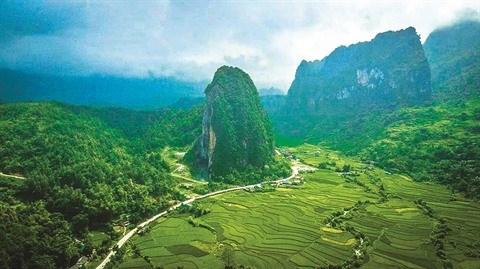 Le geoparc mondial Non Nuoc, la mine d'or du tourisme de Cao Bang hinh anh 1