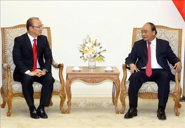 Le PM rencontre l'entraineur de football sud-coreen Park Hang-seo hinh anh 1