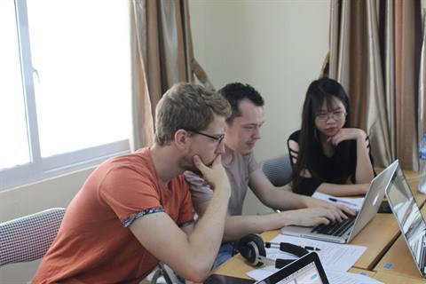 Echange sur les dispositifs des formations en communication a Hanoi hinh anh 2