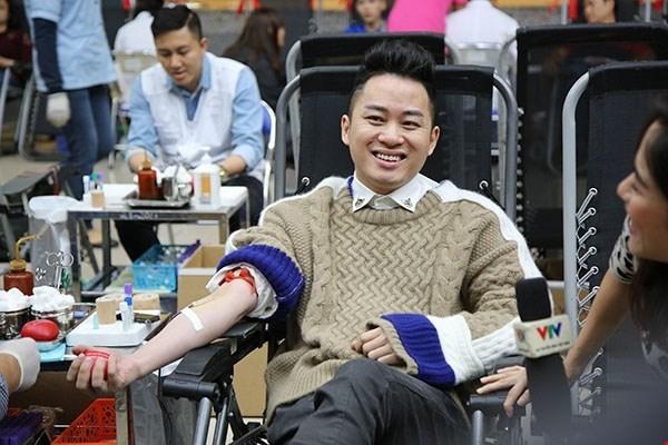 Don du sang : la Fete du printemps rouge 2018 a Hanoi hinh anh 1