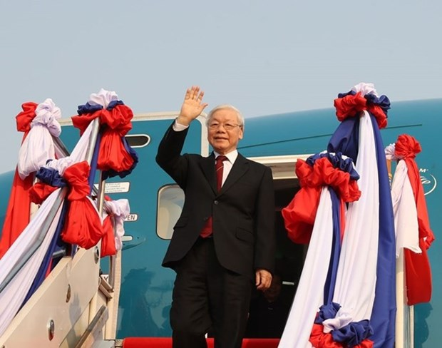 Le dirigeant Nguyen Phu Trong entame sa visite officielle d'amitie au Laos hinh anh 1
