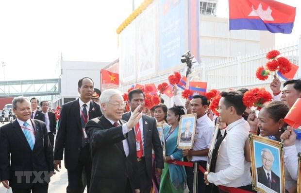 Le SG du Parti et le president entame sa visite d'Etat au Cambodge hinh anh 1