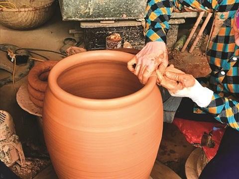 A Phu Lang, des poteries qui ont de l'allure hinh anh 2
