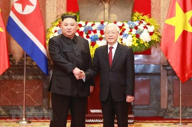 Le dirigeant Nguyen Phu Trong s'entretient avec le president de la RPDC Kim Jong-un hinh anh 1
