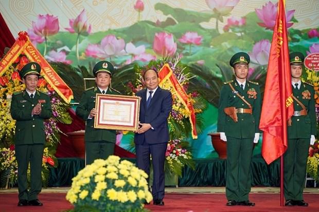 Le Premier ministre Nguyen Xuan Phuc honore la Journee traditionnelle des garde-frontieres hinh anh 1