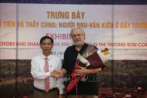 Une exposition sur les Bru-Van Kieu a Quang Tri hinh anh 1
