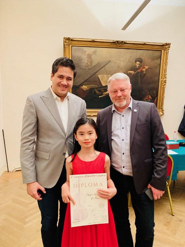 Nguyen Nguyen Le remporte un concours international de violon en Belgique hinh anh 1