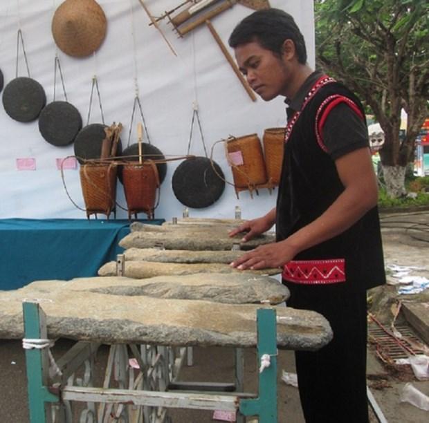 Le lithophone, la douce musique des peuples du Tay Nguyen hinh anh 3