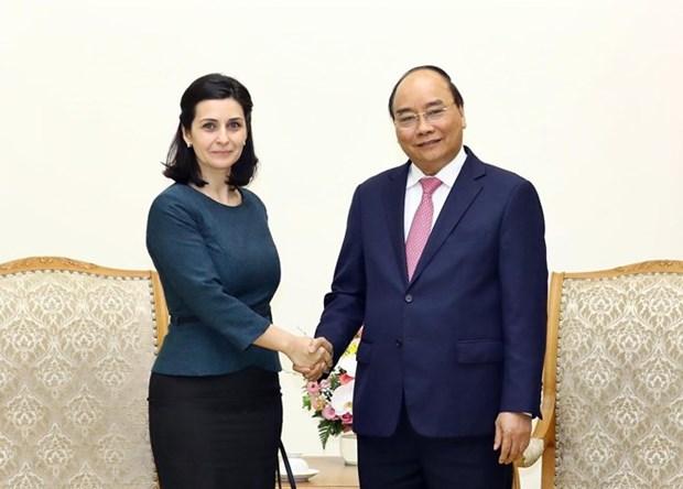Le Premier ministre recoit les ambassadrices bulgare et uruguayenne hinh anh 1