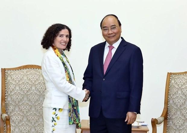 Le Premier ministre recoit les ambassadrices bulgare et uruguayenne hinh anh 2