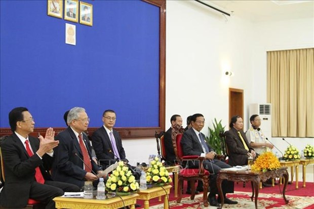 Des anciens volontaires vietnamiens en visite au Cambodge hinh anh 1