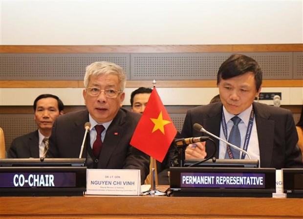 Le Vietnam appelle a plus de soutien international pour traiter l'apres-guerre hinh anh 1
