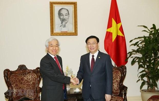 Un vice-PM salue l'interet de J Trust pour la restructuration de CBBank hinh anh 1