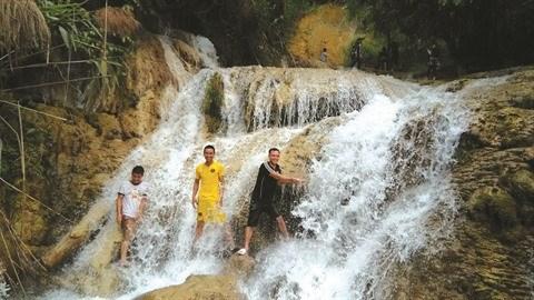 A Thanh Hoa, des chutes d'eau en cascade hinh anh 3
