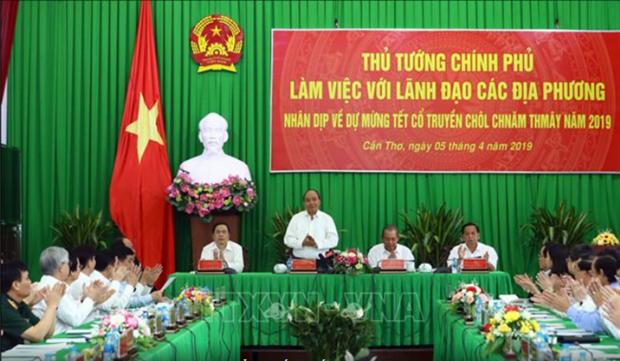 Le PM Nguyen Xuan Phuc travaille avec les provinces du delta du Mekong hinh anh 1