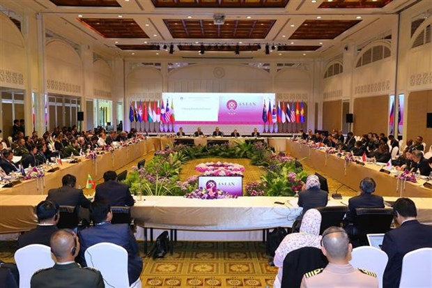 Defense: L'ASEAN et ses partenaires de dialogue se reunissent en Thailande hinh anh 1