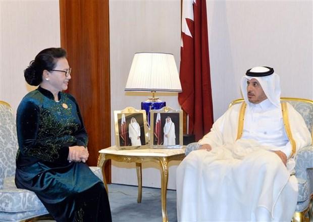 La presidente de l'AN Nguyen Thi Kim Ngan rencontre le PM qatari hinh anh 1