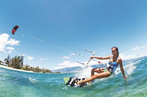 Le kitesurf prend son envol a Mui Ne hinh anh 1