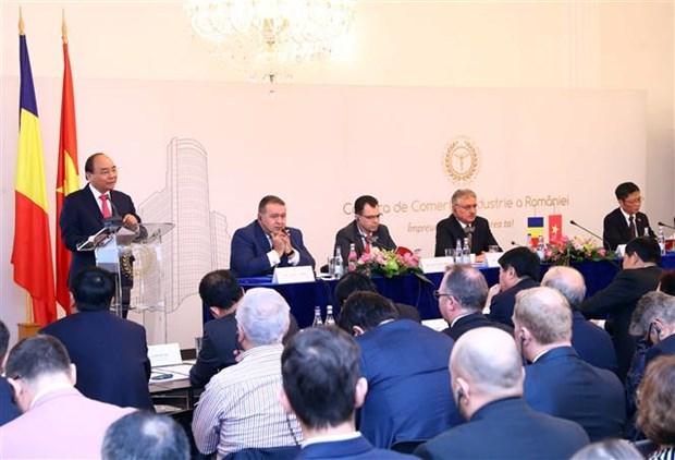 Le PM s'attend a une croissance exponentielle des relations de cooperation Vietnam – Roumanie hinh anh 1