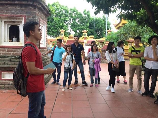 Rencontre avec de jeunes ambassadeurs culturels de Hanoi hinh anh 2