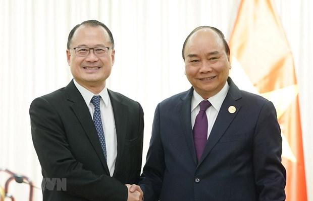 Le PM rencontre des representants d'entreprises chinoises hinh anh 1