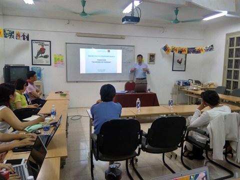 Les enseignants francophones se forment aux metiers du tourisme hinh anh 1