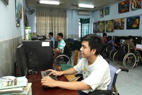 Le centre Envol donne des ailes aux personnes handicapees hinh anh 2