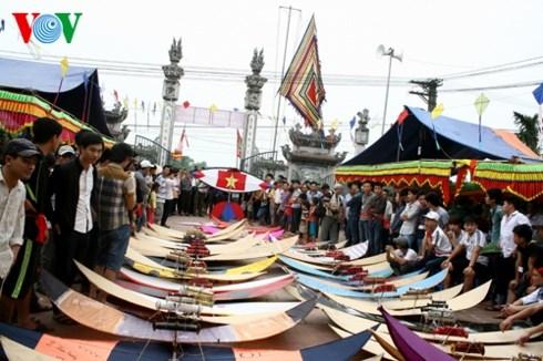A Ba Duong Noi, les cerfs-volants dansent au rythme des traditions hinh anh 1