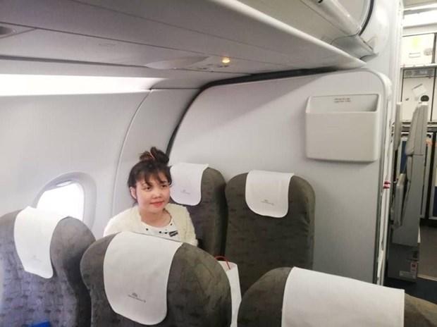 Doan Thi Huong retourne au Vietnam en avion hinh anh 1