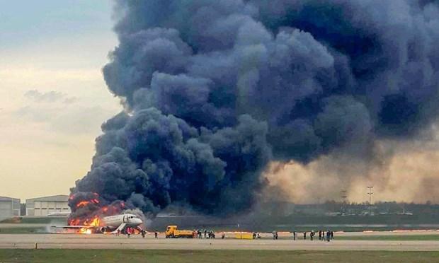 Message de sympathie a la Russie suite au crash d'un avion Aeroflot hinh anh 1