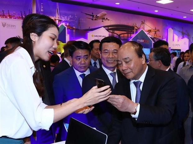 Le PM au premier Forum national de developpement des entreprises technologiques hinh anh 1