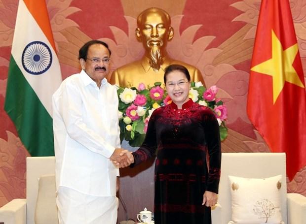 La presidente de l'Assemblee nationale recoit le vice-president indien hinh anh 1