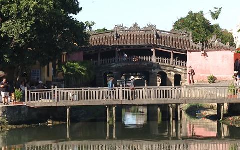 A Hoi An, le vieux pont couvert japonais tremble sur ses bases hinh anh 1