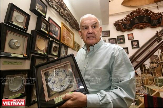 Mark Rapport, collectionneur d'objets des ethnies minoritaires et fier de l'etre hinh anh 1