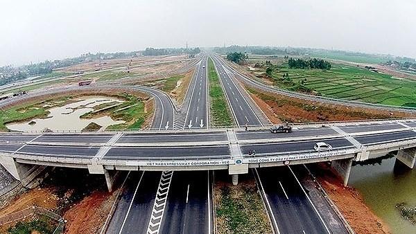 Le Vietnam appelle aux investissements dans l'autoroute Nord-Sud hinh anh 1