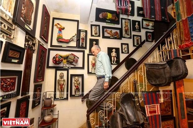 Mark Rapport, collectionneur d'objets des ethnies minoritaires et fier de l'etre hinh anh 2