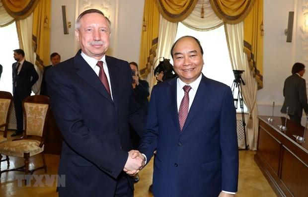 Le Premier ministre Nguyen Xuan Phuc visite Saint-Petersbourg hinh anh 1
