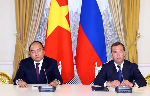 Les PM vietnamien et russe saluent les resultats de leur entretien hinh anh 2