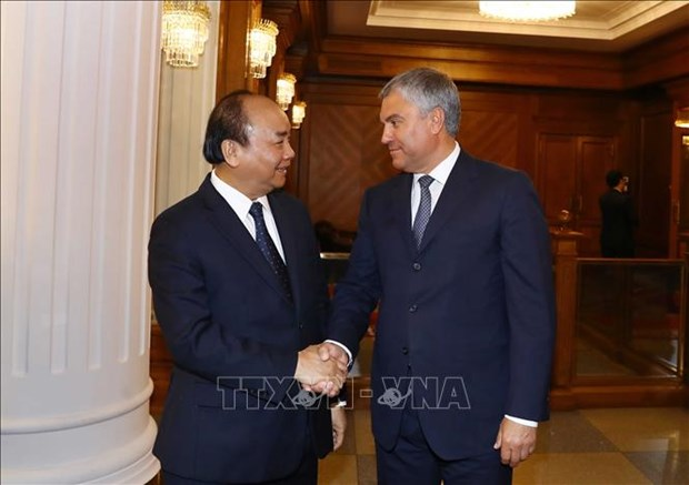 Le PM Nguyen Xuan Phuc rencontre le president de la Douma hinh anh 1
