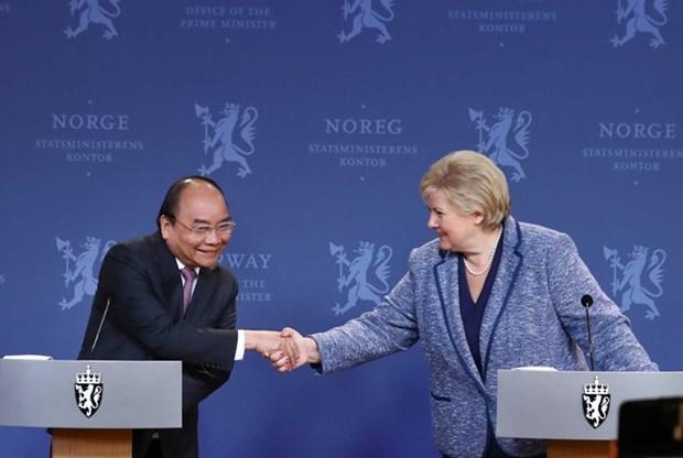 Conference de presse copresidee par les PM vietnamien et norvegien hinh anh 1