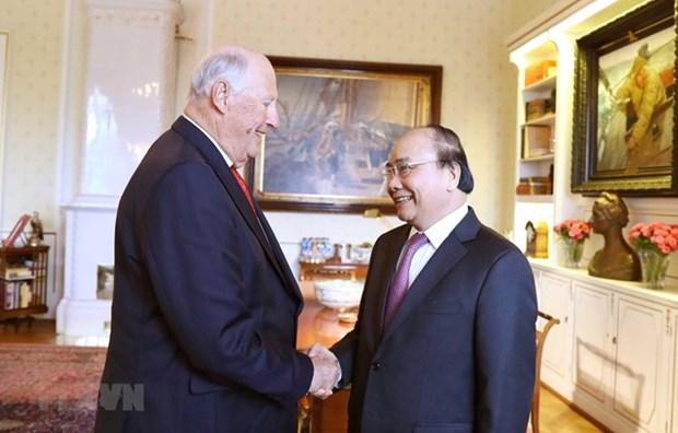 Le Premier ministre Nguyen Xuan Phuc rencontre le roi de Norvege hinh anh 1