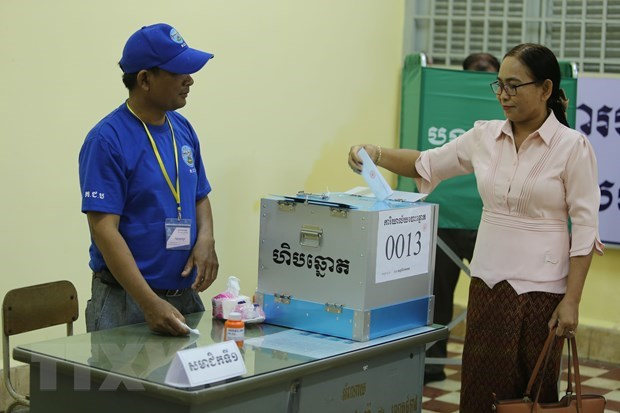 Cambodge : lancement de l'election des Conseils locaux hinh anh 1