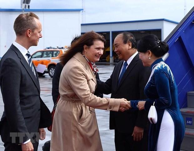 Le PM Nguyen Xuan Phuc entame sa visite officielle en Suede hinh anh 1