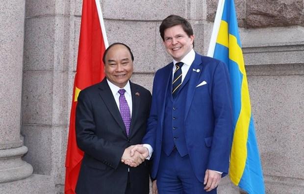 Le PM Nguyen Xuan Phuc rencontre le chef du Parlement suedois Andreas Norlen hinh anh 1